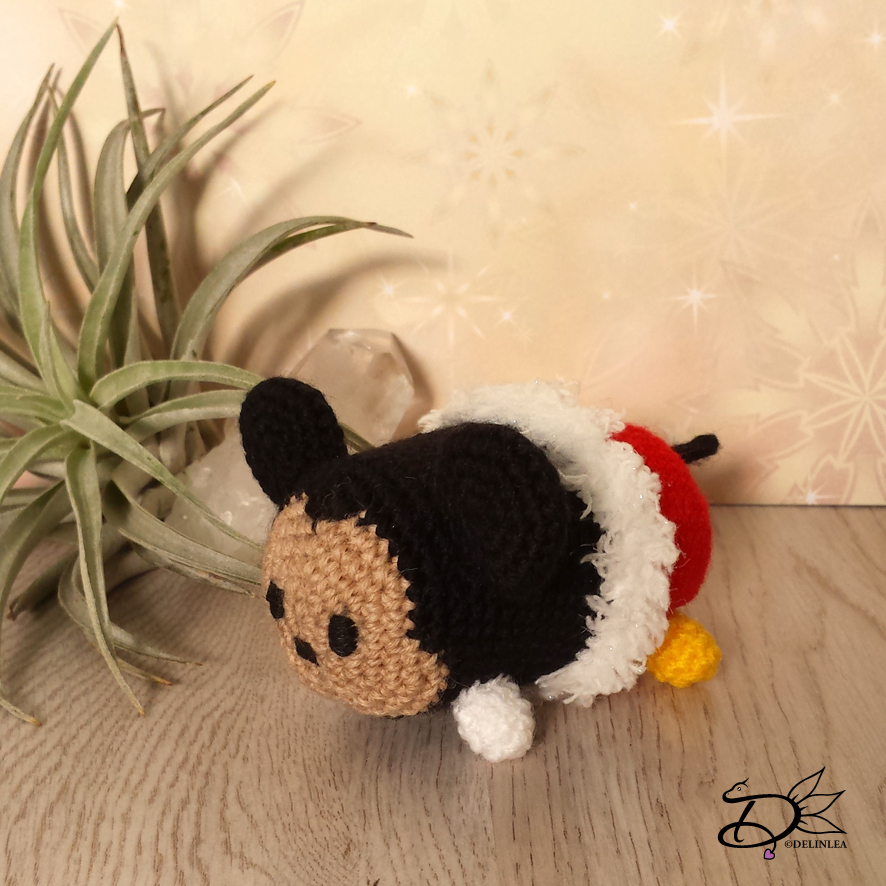 Ravelry: Mickey Mouse Tsum Tsum pattern by Sheep Shaved | 886x886
