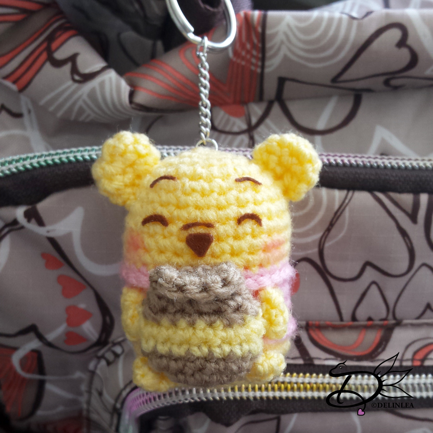 Winnie the Pooh: All Stuffed With Fluff Crochet Characters: Amazon ... | 886x886