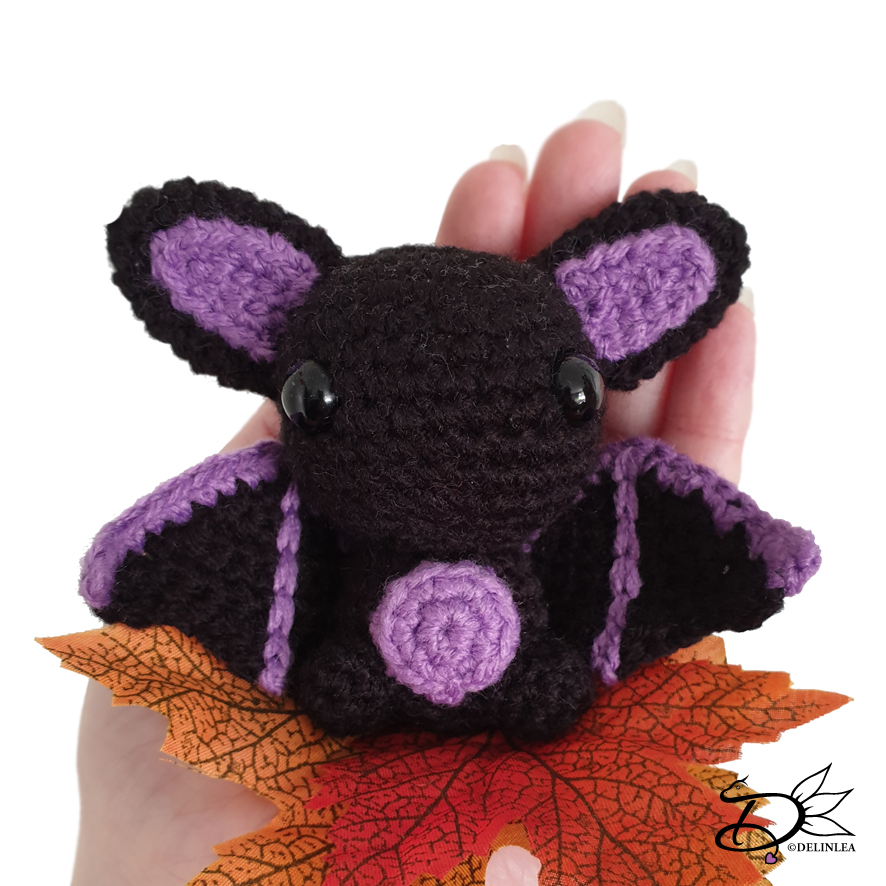 Spooky Batty Bat Amigurumi Pattern | 886x886