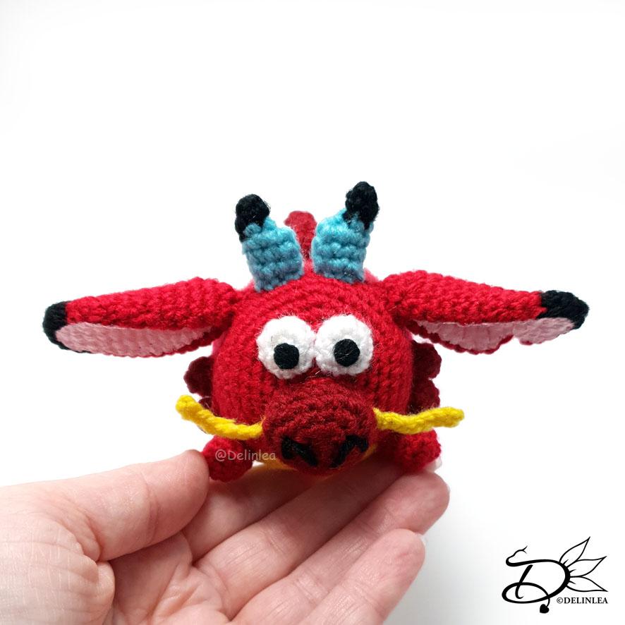 Mushu Tsum Tsum made of yarn. (Crochet)