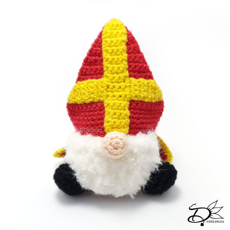 Sinterklaas Gnome made using Crochet