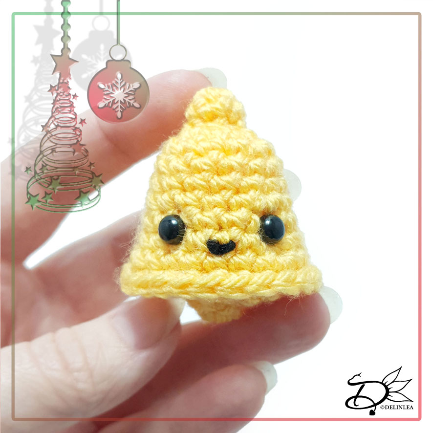 Christmas Bell made with Amigurumi
