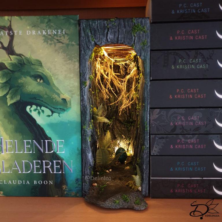BookNook or bookshelf insert based on the book Helende Bladeren